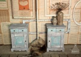 Twee nachtkastjes turquoise (130979)..verkocht