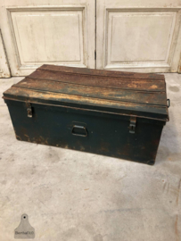 Oude ijzeren kist (143727)