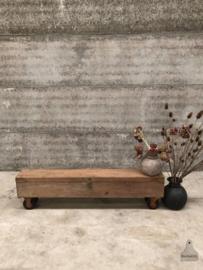 Lange houten kist op wielen (144062)
