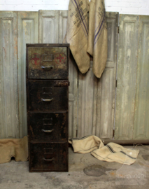 Industriële, ijzeren hospitaal ladekast (132637)....verkocht