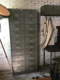 Oude geleefde kleppenkast (136547) verkocht