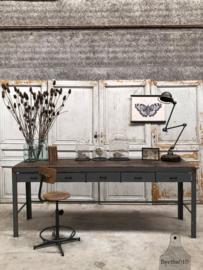 Hoog industrieel bureau dressoir (144101) verkocht