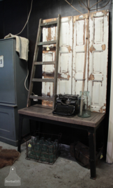 Stoer industrieel dressoir (132670)..verkocht