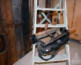 Oude industriële werktas met gereedschap (130851)