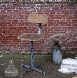 Oude in hoogte verstelbare industriële bureaustoel (131509) verkocht