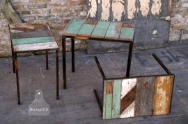 Industrieel tafeltje sloophout (130417)..verkocht