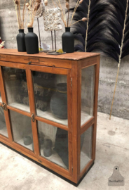 Engels dressoir vitrinekast (144026) verkocht