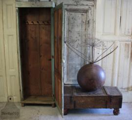 Landelijke smalle kast (134142) verkocht
