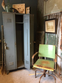 Oude 3 deurs locker (135292)