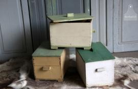 Oude kist met deksel (131142)....verkocht