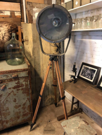 Oude statieflamp (138437) verkocht
