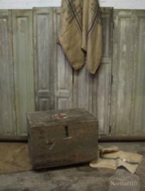 Prachtige oude hospitaal kist(132636)..verkocht