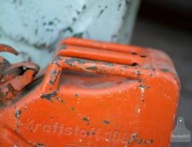 Oude jerrycan oranje (130825, 851)