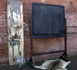 Robuuste oude deur (131279)....verkocht