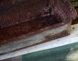 Verweerde voederbak (130597)..verkocht