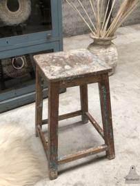 Oude houten kruk (144495)