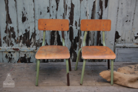 Oude schoolstoelen (136549)..verkocht