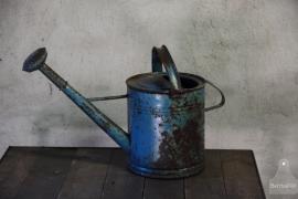 Oude geleefde gieter (132449)...verkocht