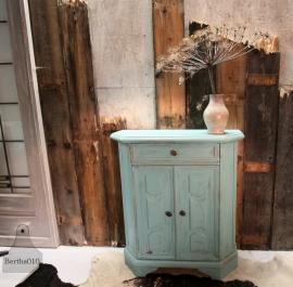Geleefd kastje turquoise (130738)..verkocht