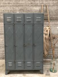 Oude locker 4-deurs (143947) verkocht