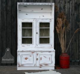 Witte kast met kippengaas (130382)..verkocht