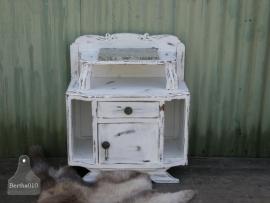 Antiek nachtkastje (130547) verkocht