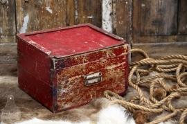 Oude geleefde kist (131453)..verkocht