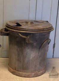 Stoere geleefde vuilnisbak (139939)