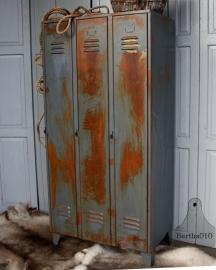 Oude geleefde locker (131704) verkocht