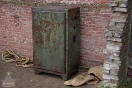 Oude ijzeren kast (137014)