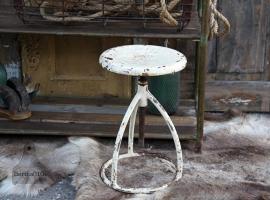 In hoogte verstelbare ijzeren kruk (131595)..verkocht