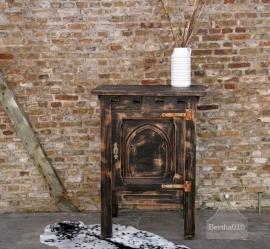 Geleefd zwart kastje (130341)..verkocht