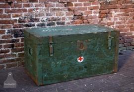 Oude geleefde hospitaal kist (131109)..verkocht