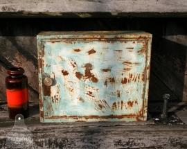 Industriele ijzeren hangkast (130163)..verkocht
