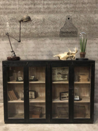 Hoog dressoirvitrine (144077) verkocht