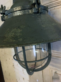 Oude fabrieks-wandlamp (142698) verkocht