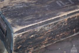 Oude verzendkist op wielen, lang (136717) verkocht