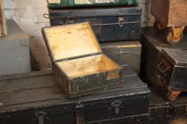 Oud geleefd verzendkistje  (136107) verkocht