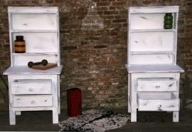 Geleefde nachtkastjes, hoog (130344)..verkocht