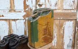 Oude jerrycan (131394)..verkocht