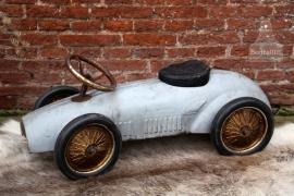 Oude ijzeren kinderloopauto (131497) verkocht