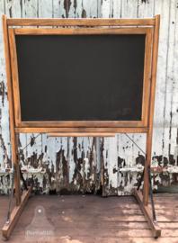 Oud, antiek schoolbord (138642)