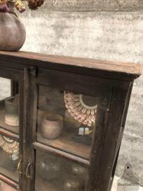 Engelse vitrinekast, 3 zijden glas (144023) verkocht