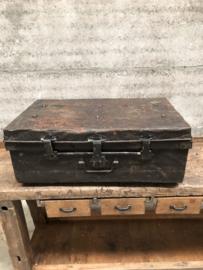 Ijzeren reiskoffer (144852)