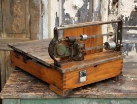 Oude weegschaal (131242) verkocht