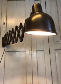 Oude Bauhaus scharnierlamp (137430)