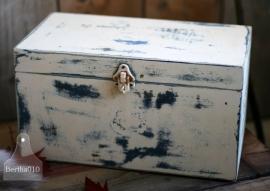 Oud kistje (130027)...verkocht