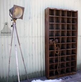 Geleefde industriële lamp op statief (131086)..verkocht