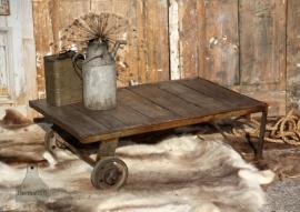 Oude trolley op wielen (132882)...verkocht