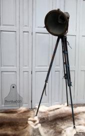 Industriële lamp op statief (131195)..verkocht